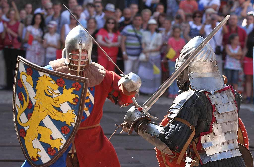 Древние рыцари чехия фото корпуса